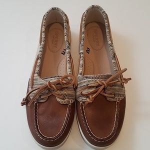 NWOB Sperry top-sider Leather Shoes size 9